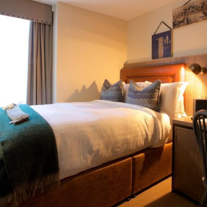 single bedroom furniture and bed